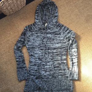 Grey and black pattered Sweater with Hood